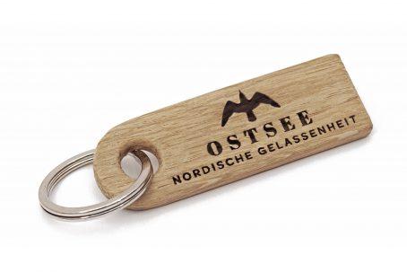 Schlüsselanhänger OSTSEE Schlüssel Anhänger Schlüsselband Schlüsselring keychain Holz Eiche Natur nachhaltig maritim Anker surfen segeln angeln fischen Outdoor skandinavisch Qualität Geschenk Verpackung Geschenkidee maritim handmade Germany