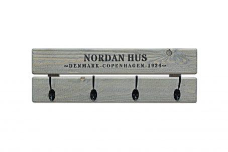 Skonida nordic design wandgarderobe garderobe LASSE Holz vergraut Geschenk Geschenkidee