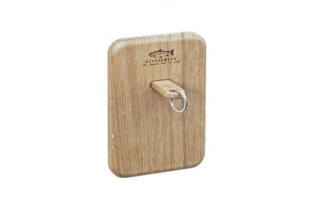 Schlüssel Rack Schlüsselbrett Schlüsselanhänger Schlüsselband Holz Eiche Gravur Schlüssel Anhänger Schlüsselring keychains Meerforelle Fliegenfischen Flyfishing Geschenk Geschenkidee Ostsee nordic design