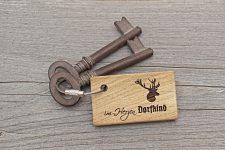 Schlüsselanhänger DORFKIND aus Holz