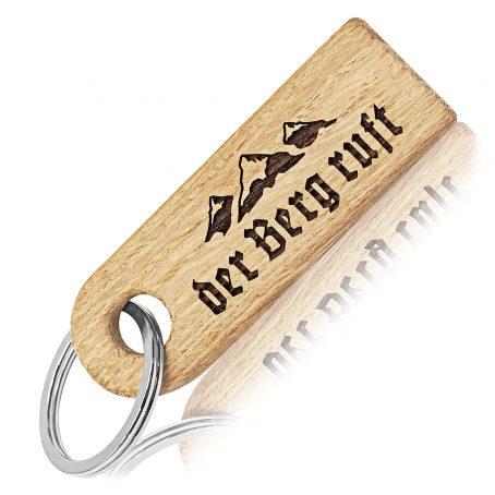 schlüsselanhänger der berg ruft holzanhänger berge mountain keychain the mountain is calling oak eiche taschenanhänger gravur