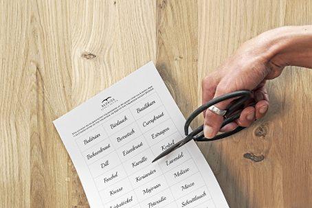 Kräuterkiste Kräuterkasten Kräuterregal Kräuterhaus Kräuter anpflanzen Kräutertopf Küche Fensterbank Landhausküche Zinktopf