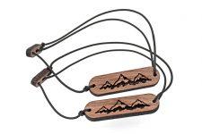 SKONIDA Design Freundschafts-Armband mit Berg Gravur 2er Pack – für Kletterer und Bergsteiger-  Holz-Schmuck für Damen & Herren in Geschenk-Box