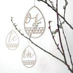 SKONIDA moderne Oster-Anhänger aus Holz – edle Oster- und Frühlings-Deko zum Aufhängen – Hänge-Deko als Geschenk in edler Geschenk-Box 3 er Set B